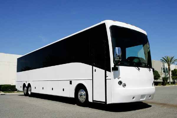 18-passenger-party-bus-Victory-Center Party Bus Victory Center, WI – Limo Service