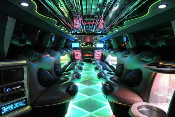 18-passenger-party-bus-Glendale Party Bus Glendale, WI – Limo Service