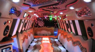 Chrysler-300-limo-service-Mequon-330x180 Mequon, WI Limo Rentals