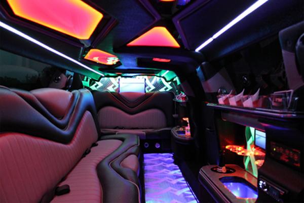 Chrysler-300-limo-service-West-Allis West Allis, WI Limo Rentals