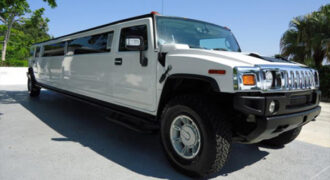 Chrysler-300-limo-service-Hartford-330x180 Hartford, WI Limo Rentals