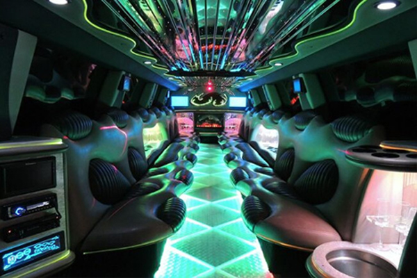 Chrysler-300-limo-service-Berlin Berlin, WI Limo Rentals