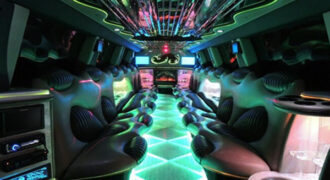 Chrysler-300-limo-service-Glendale-330x180 Glendale, WI Limo Rentals