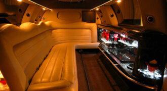 Chrysler-300-limo-service-Racine-330x180 Racine, WI Limo Rentals