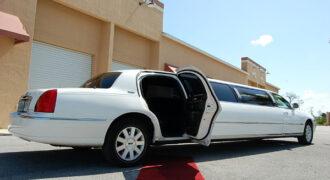 Chrysler-300-limo-service-Franklin-330x180 Franklin, WI Limo Rentals