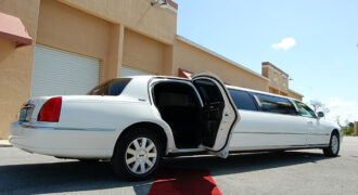 Chrysler-300-limo-service-Muskego-330x180 Muskego, WI Limo Rentals